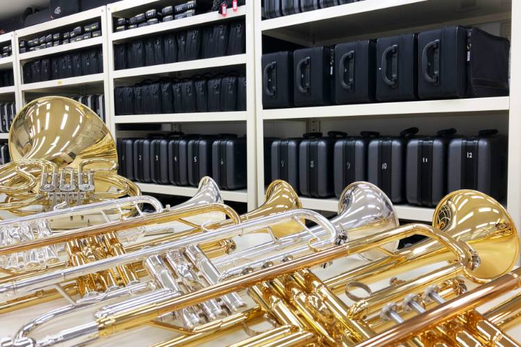 実習用の楽器が500本以上