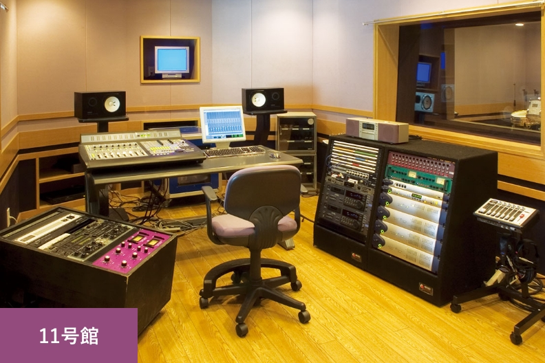facilities_recording_main_04